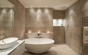 iluminação em banheiros